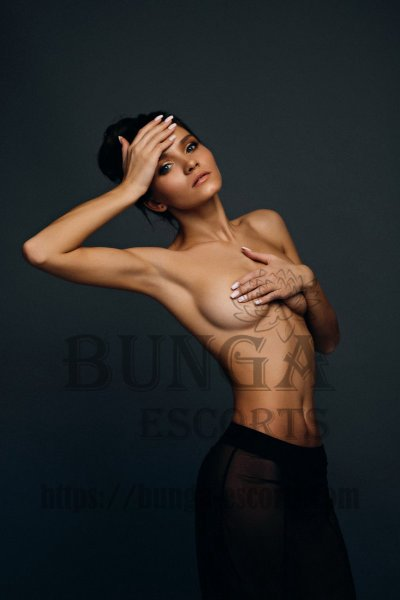 couple escort paris, Elite companion in Paris, russian escort paris, call girl paris, escort girl paris 19, escorte travestie paris, young escorts Paris