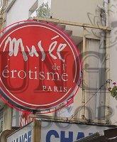 Paris escort Museum of Eroticism photo